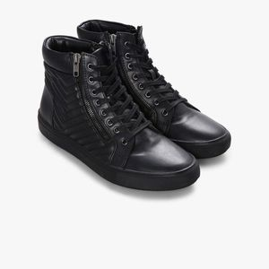 4c6198ba215 Steve Madden Shoes - Steve Madden Punted Zipper High Top Sneaker 11